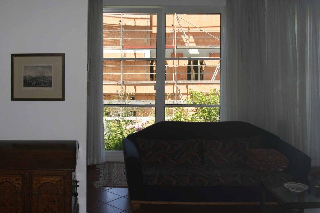 Sicht aus dem Wohnbereich Höhlsgasse 8 – mit 42,5 cm Ziegel zugemauert